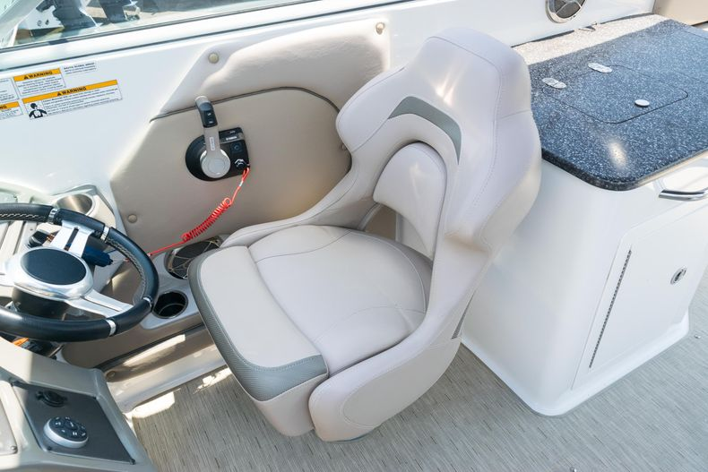 Thumbnail 22 for Used 2015 Hurricane SunDeck SD 2690 OB boat for sale in West Palm Beach, FL