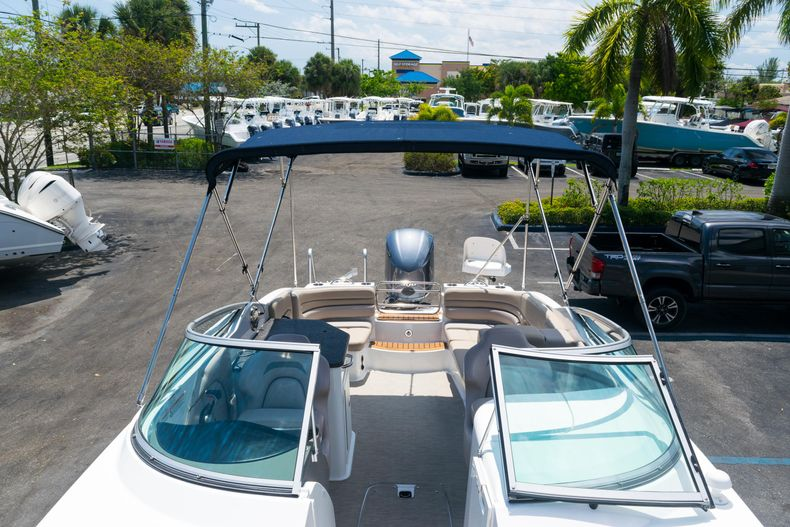 Thumbnail 61 for Used 2015 Hurricane SunDeck SD 2690 OB boat for sale in West Palm Beach, FL