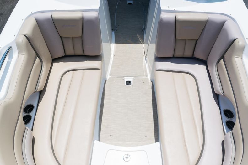 Thumbnail 59 for Used 2015 Hurricane SunDeck SD 2690 OB boat for sale in West Palm Beach, FL