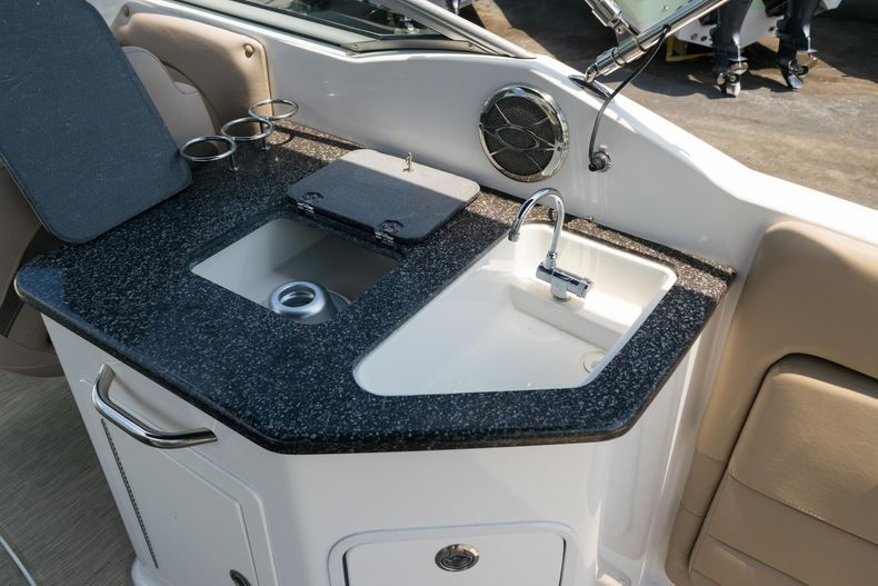 Thumbnail 16 for Used 2015 Hurricane SunDeck SD 2690 OB boat for sale in West Palm Beach, FL