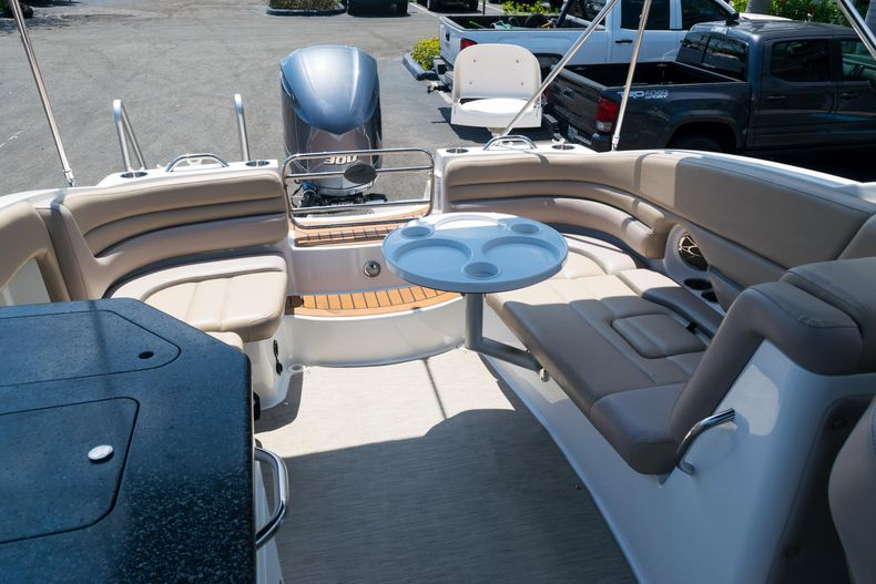 Thumbnail 35 for Used 2015 Hurricane SunDeck SD 2690 OB boat for sale in West Palm Beach, FL