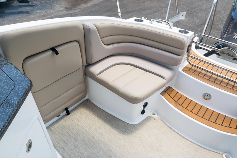 Thumbnail 12 for Used 2015 Hurricane SunDeck SD 2690 OB boat for sale in West Palm Beach, FL
