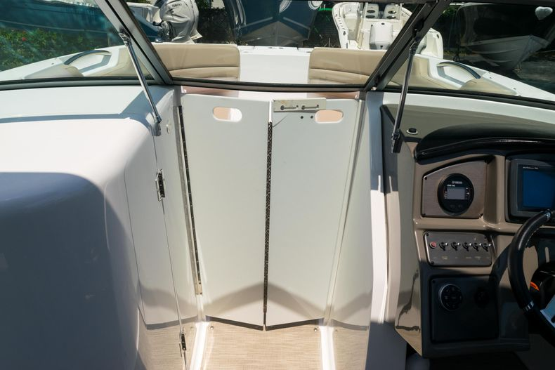 Thumbnail 44 for Used 2015 Hurricane SunDeck SD 2690 OB boat for sale in West Palm Beach, FL