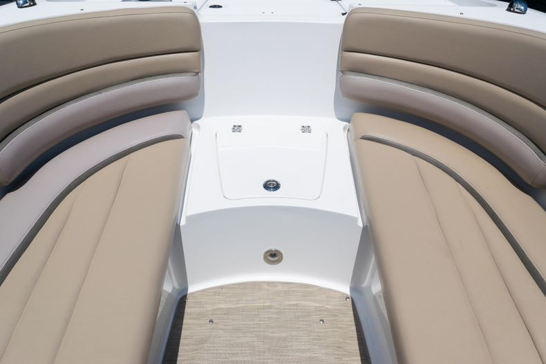Thumbnail 47 for Used 2015 Hurricane SunDeck SD 2690 OB boat for sale in West Palm Beach, FL