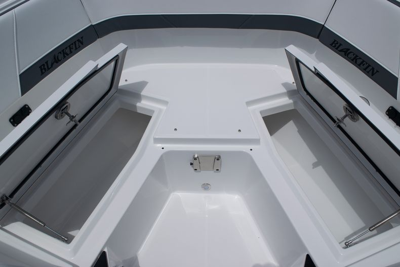 Thumbnail 59 for New 2020 Blackfin 272DC boat for sale in West Palm Beach, FL