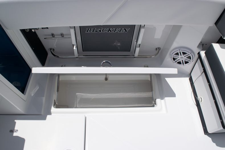 Thumbnail 19 for New 2020 Blackfin 272DC boat for sale in West Palm Beach, FL