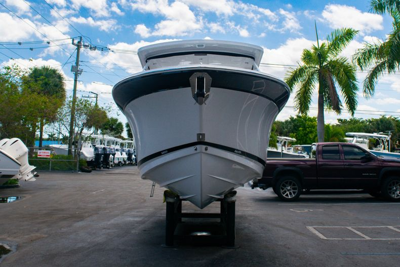 Thumbnail 2 for New 2020 Blackfin 272DC boat for sale in West Palm Beach, FL