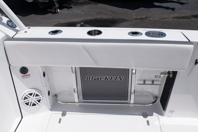 Thumbnail 13 for New 2020 Blackfin 272DC boat for sale in West Palm Beach, FL