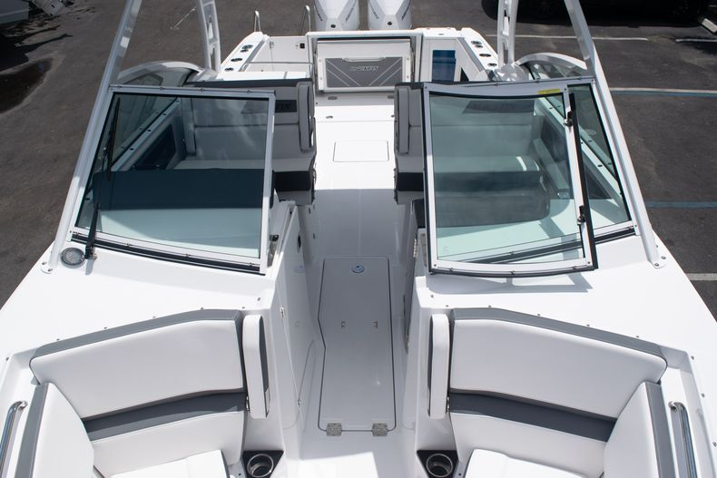 Thumbnail 62 for New 2020 Blackfin 272DC boat for sale in West Palm Beach, FL