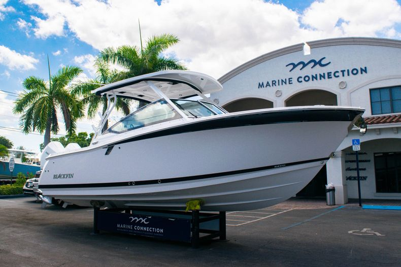 Thumbnail 1 for New 2020 Blackfin 272DC boat for sale in West Palm Beach, FL