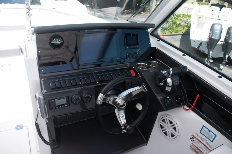 Thumbnail 44 for New 2020 Blackfin 272DC boat for sale in West Palm Beach, FL