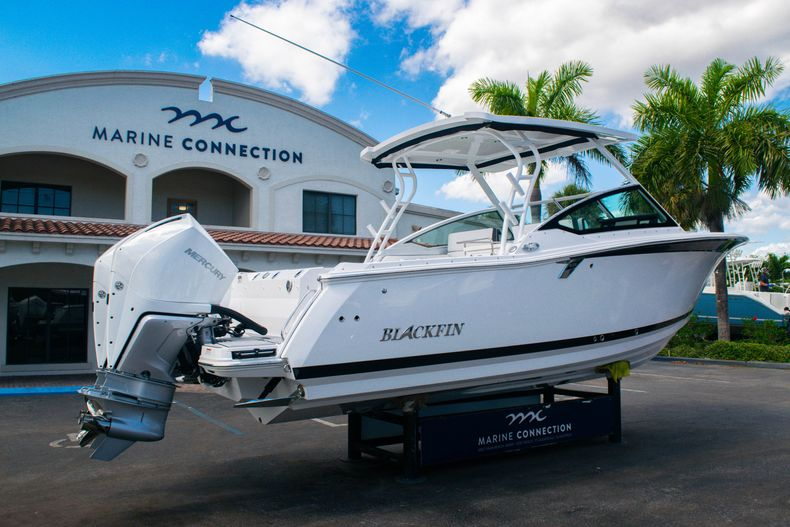 Thumbnail 7 for New 2020 Blackfin 272DC boat for sale in West Palm Beach, FL