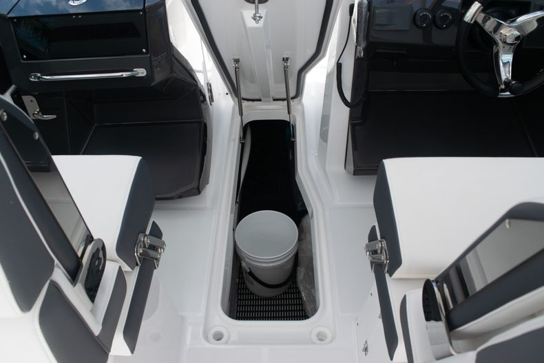 Thumbnail 30 for New 2020 Blackfin 272DC boat for sale in West Palm Beach, FL