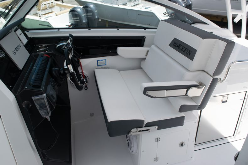 Thumbnail 40 for New 2020 Blackfin 272DC boat for sale in West Palm Beach, FL