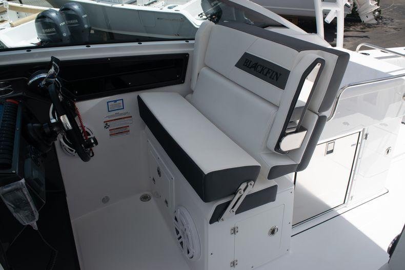 Thumbnail 39 for New 2020 Blackfin 272DC boat for sale in West Palm Beach, FL