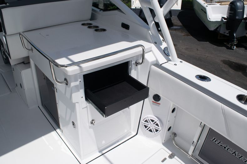 Thumbnail 21 for New 2020 Blackfin 272DC boat for sale in West Palm Beach, FL