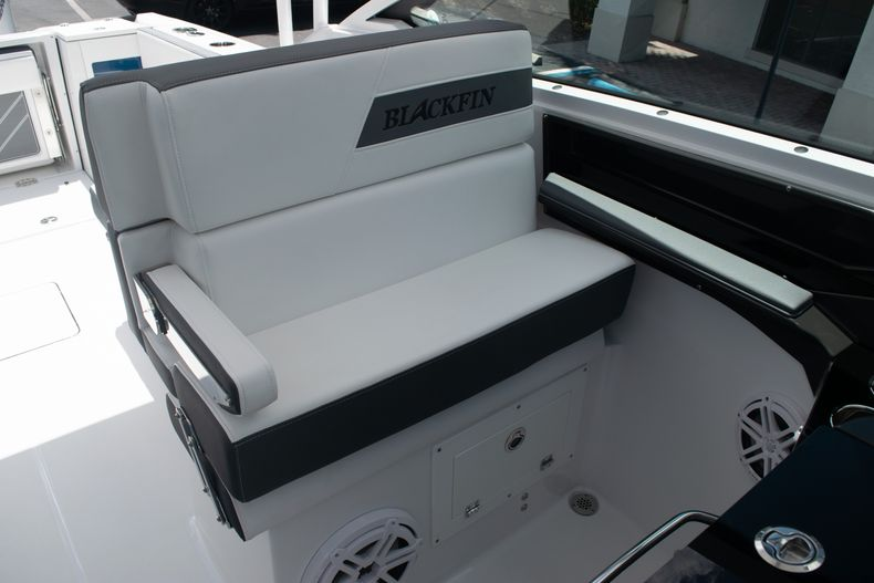 Thumbnail 31 for New 2020 Blackfin 272DC boat for sale in West Palm Beach, FL