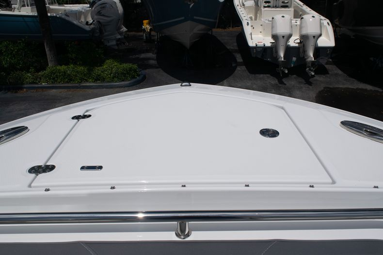 Thumbnail 60 for New 2020 Blackfin 272DC boat for sale in West Palm Beach, FL