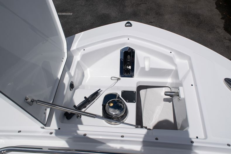 Thumbnail 61 for New 2020 Blackfin 272DC boat for sale in West Palm Beach, FL