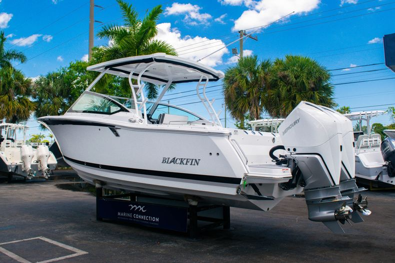 Thumbnail 6 for New 2020 Blackfin 272DC boat for sale in West Palm Beach, FL