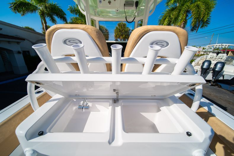 Thumbnail 16 for New 2020 Sportsman Masters 267OE Bay Boat boat for sale in Fort Lauderdale, FL