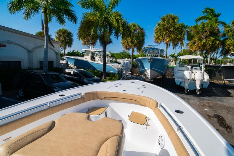 Thumbnail 33 for New 2020 Sportsman Masters 267OE Bay Boat boat for sale in Fort Lauderdale, FL