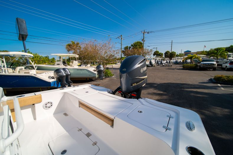 Thumbnail 11 for New 2020 Sportsman Masters 267OE Bay Boat boat for sale in Fort Lauderdale, FL