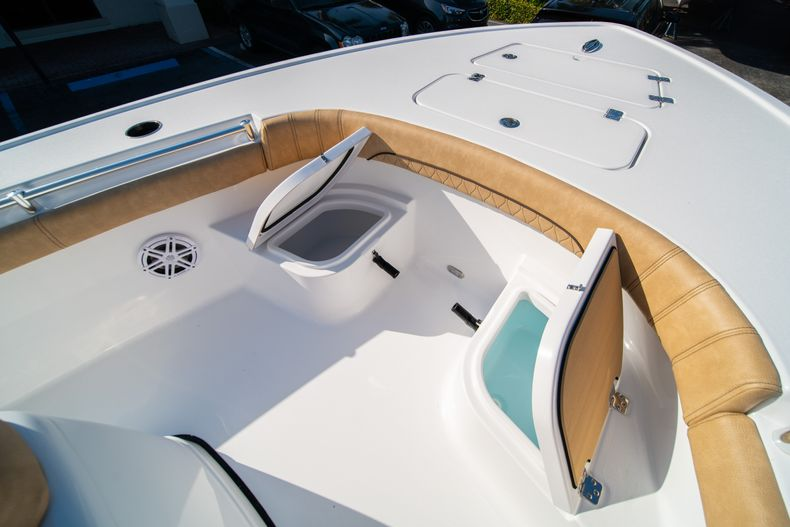 Thumbnail 36 for New 2020 Sportsman Masters 267OE Bay Boat boat for sale in Fort Lauderdale, FL