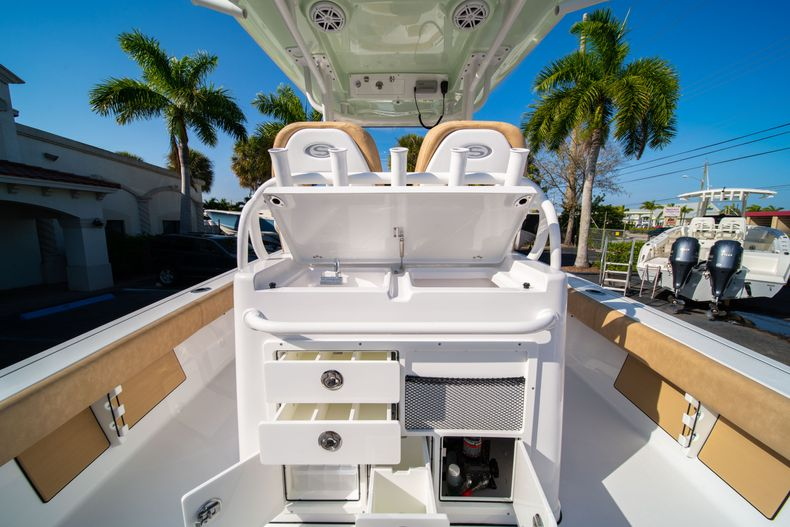 Thumbnail 15 for New 2020 Sportsman Masters 267OE Bay Boat boat for sale in Fort Lauderdale, FL