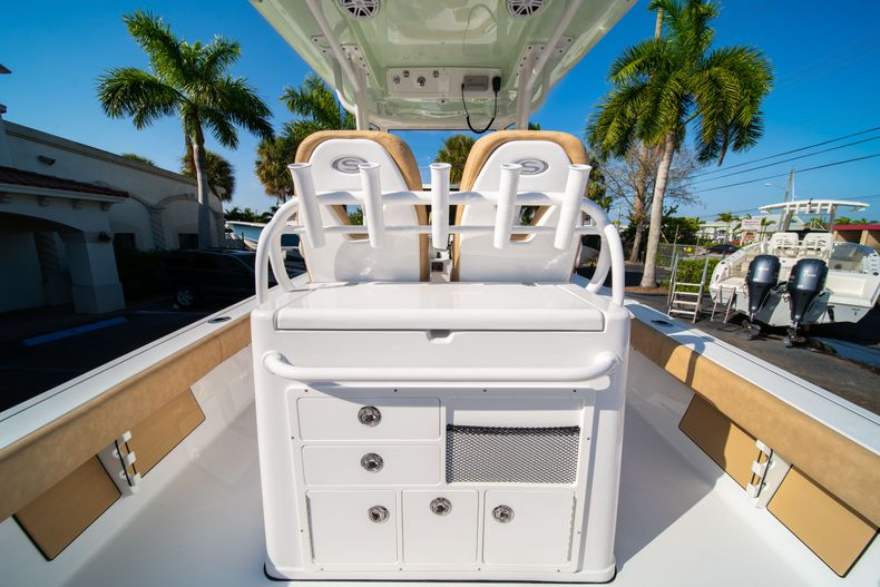 Thumbnail 14 for New 2020 Sportsman Masters 267OE Bay Boat boat for sale in Fort Lauderdale, FL
