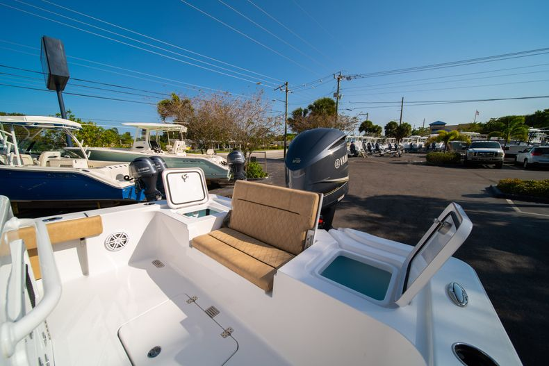 Thumbnail 12 for New 2020 Sportsman Masters 267OE Bay Boat boat for sale in Fort Lauderdale, FL
