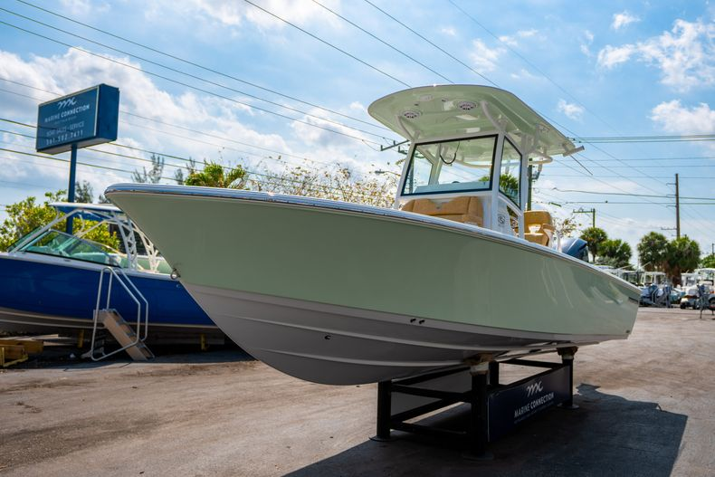 Thumbnail 3 for New 2020 Sportsman Masters 267OE Bay Boat boat for sale in Fort Lauderdale, FL