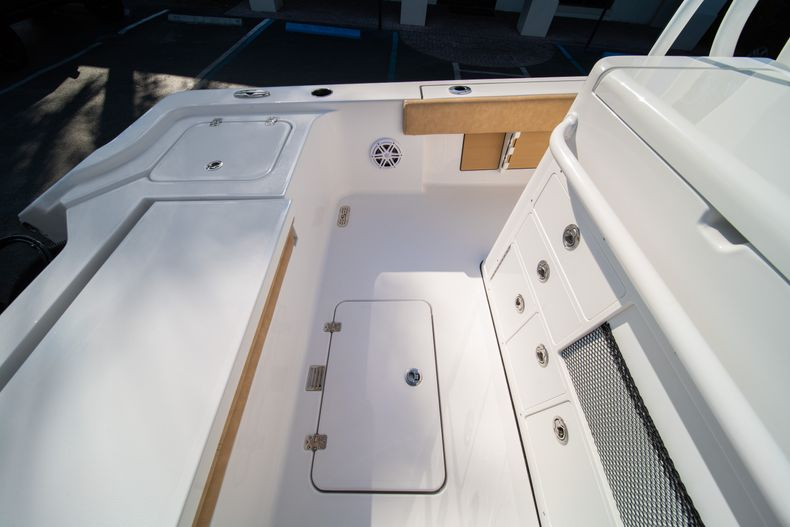 Thumbnail 17 for New 2020 Sportsman Masters 267OE Bay Boat boat for sale in Fort Lauderdale, FL