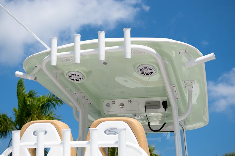 Thumbnail 8 for New 2020 Sportsman Masters 267OE Bay Boat boat for sale in Fort Lauderdale, FL