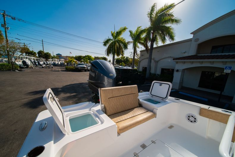 Thumbnail 10 for New 2020 Sportsman Masters 267OE Bay Boat boat for sale in Fort Lauderdale, FL