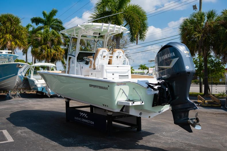 Thumbnail 5 for New 2020 Sportsman Masters 267OE Bay Boat boat for sale in Fort Lauderdale, FL