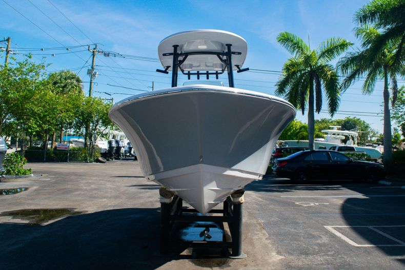 Thumbnail 2 for New 2020 Sportsman Heritage 211 Center Console boat for sale in Fort Lauderdale, FL