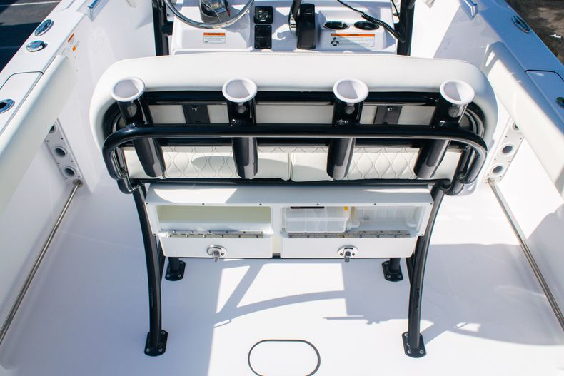 Thumbnail 15 for New 2020 Sportsman Heritage 211 Center Console boat for sale in Fort Lauderdale, FL