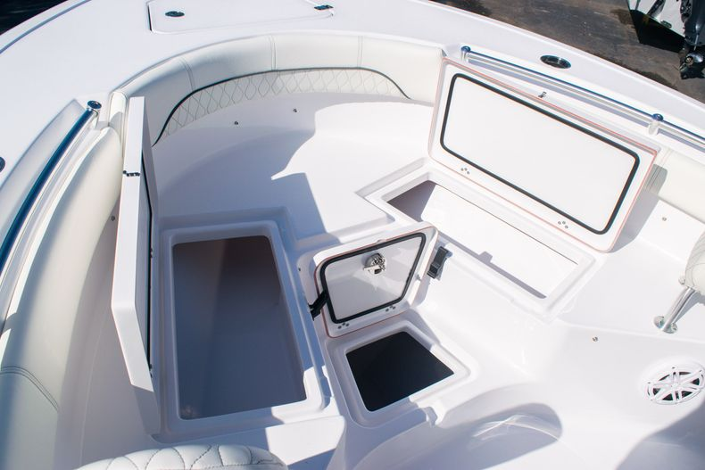 Thumbnail 32 for New 2020 Sportsman Heritage 211 Center Console boat for sale in Fort Lauderdale, FL