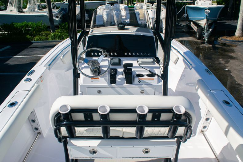Thumbnail 9 for New 2020 Sportsman Heritage 211 Center Console boat for sale in Fort Lauderdale, FL