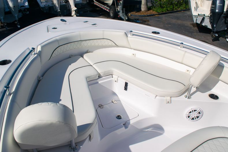 Thumbnail 31 for New 2020 Sportsman Heritage 211 Center Console boat for sale in Fort Lauderdale, FL