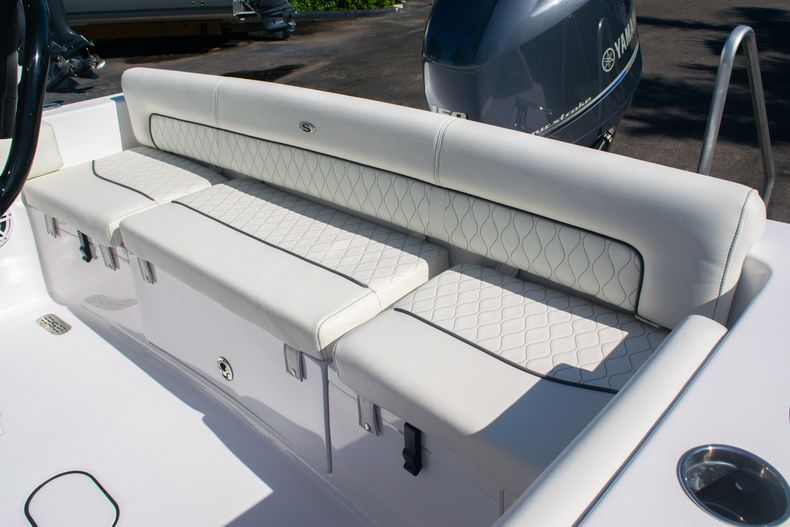 Thumbnail 12 for New 2020 Sportsman Heritage 211 Center Console boat for sale in Fort Lauderdale, FL