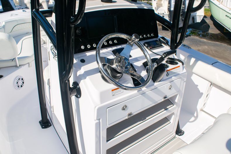 Thumbnail 23 for New 2020 Sportsman Heritage 211 Center Console boat for sale in Fort Lauderdale, FL
