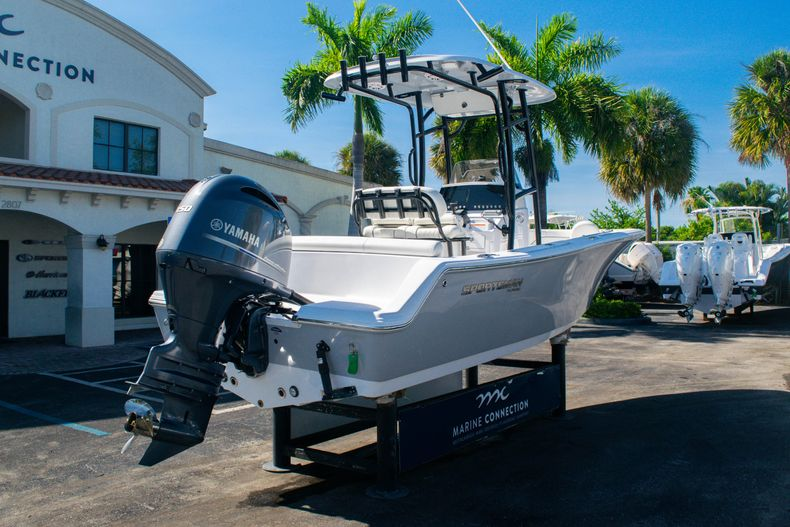 Thumbnail 7 for New 2020 Sportsman Heritage 211 Center Console boat for sale in Fort Lauderdale, FL