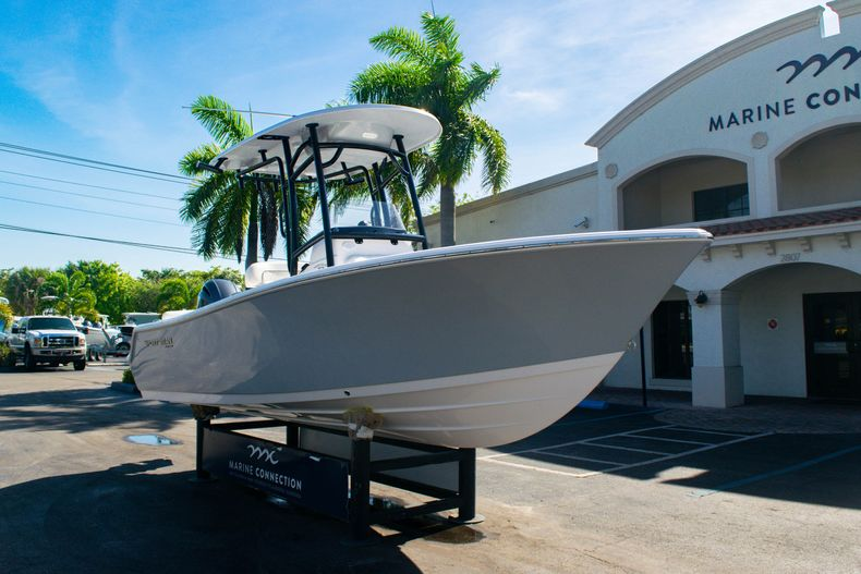Thumbnail 1 for New 2020 Sportsman Heritage 211 Center Console boat for sale in Fort Lauderdale, FL