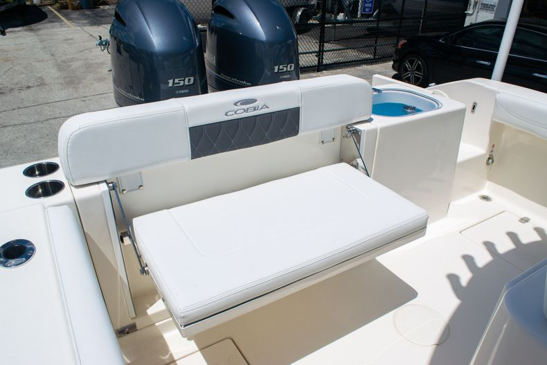 Thumbnail 13 for New 2020 Cobia 240 CC Center Console boat for sale in Fort Lauderdale, FL