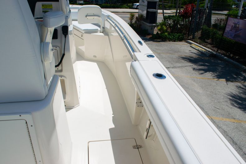 Thumbnail 55 for New 2020 Cobia 240 CC Center Console boat for sale in Fort Lauderdale, FL