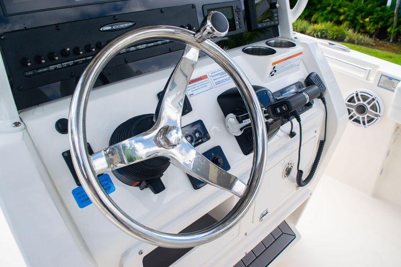 Thumbnail 33 for New 2020 Cobia 262 CC Center Console boat for sale in Miami, FL