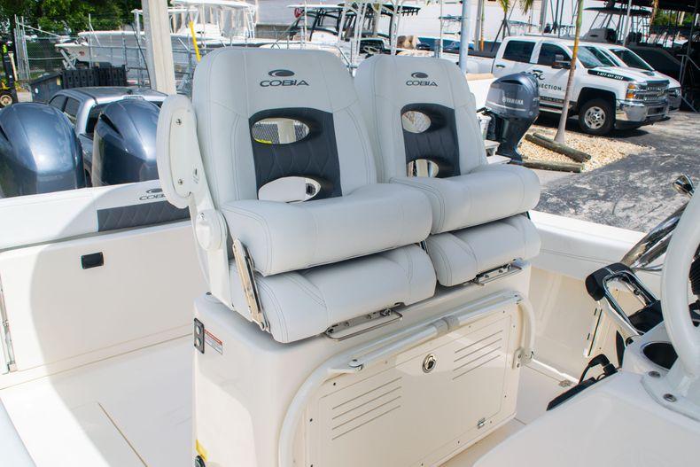 Thumbnail 21 for New 2020 Cobia 262 CC Center Console boat for sale in Miami, FL