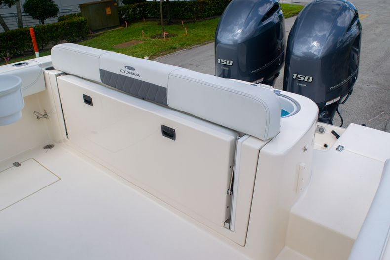 Thumbnail 8 for New 2020 Cobia 262 CC Center Console boat for sale in Miami, FL